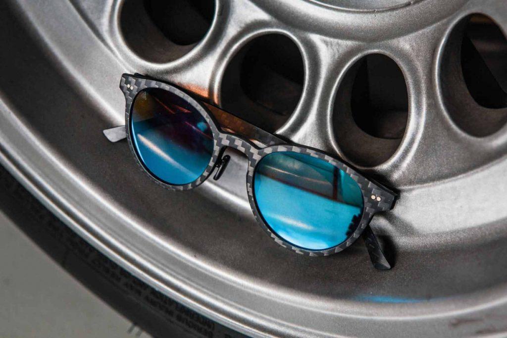 gafas de sol elaboradas con fibra de carbono