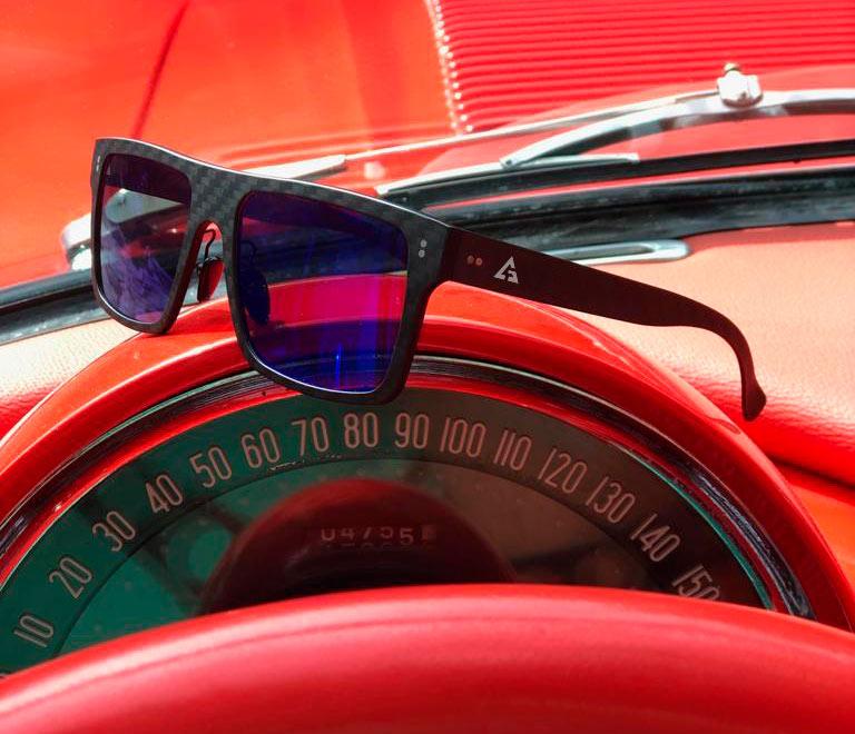 gafas cuadradas en fibra de carbono