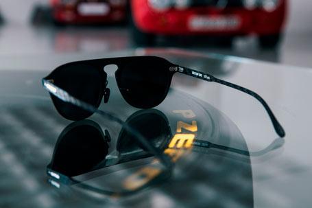 Gafas de sol negras de fibra de carbono